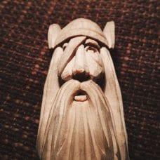 Изготовление резной статуэтки бога Одина от Славы Денисова