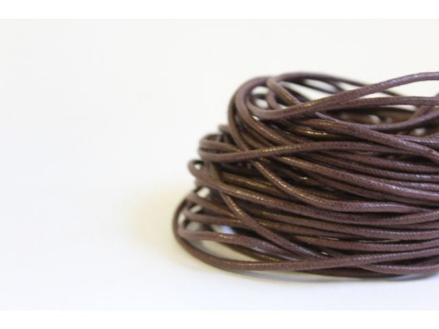 Шнур вощеный коричневый толщ. 2 мм
