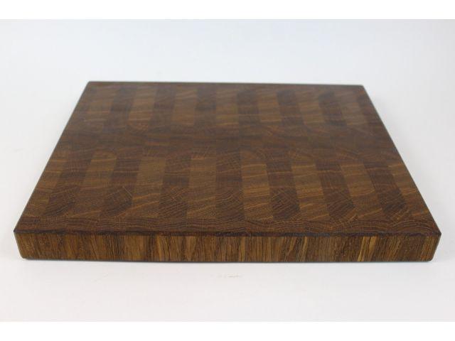Доска торцевая, мореный дуб, шахматный рисунок, размер 30х24,5х2,7см