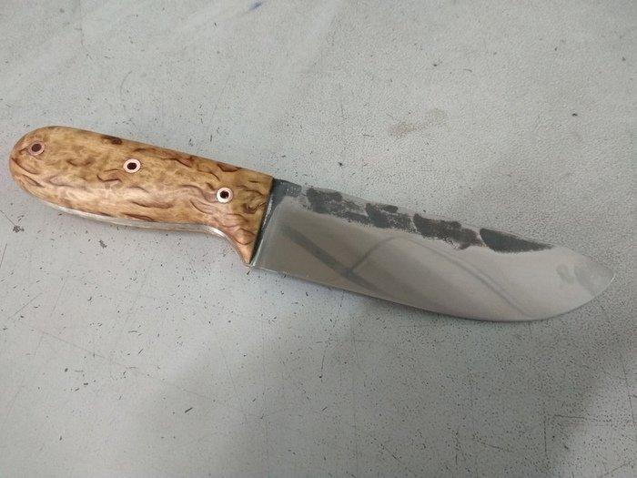 Пример рукояти ножа под мастикой Травоведа