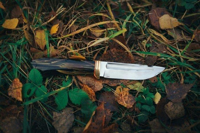 Пример рукояти ножа из камыша в эпоксидной смоле