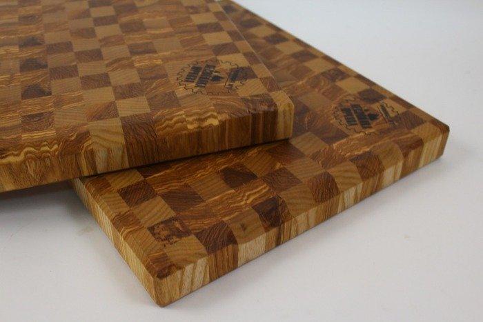 Пример торцевой разделочной доски из деревянного щита
