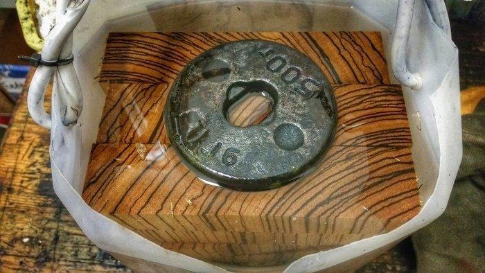 Процесс стабилизации деревянных брусков