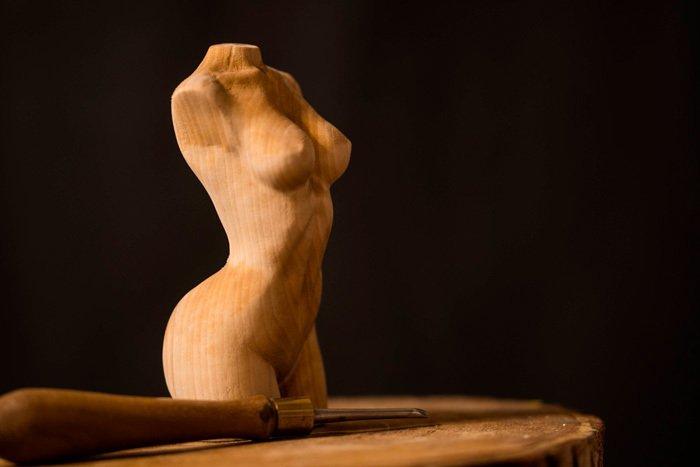 Пример резьбы из древесины березы