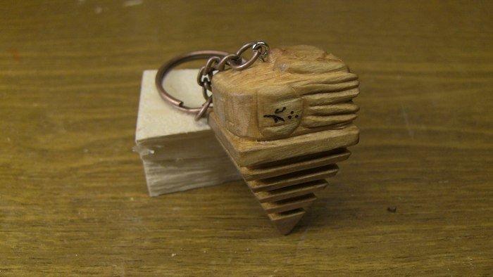 Пример резьбы по древесине черешни