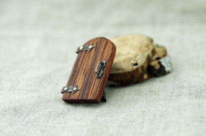 Пример изделия из древесины эбиары
