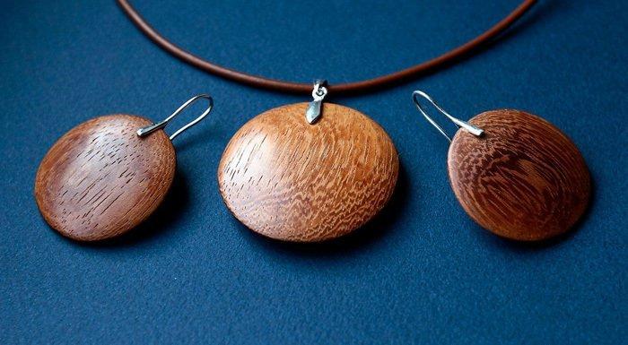 Пример работ из древесины ироко