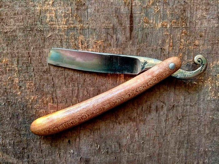 Пример работы из древесины клена