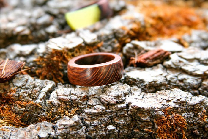 Пример кольца из лайсвуда