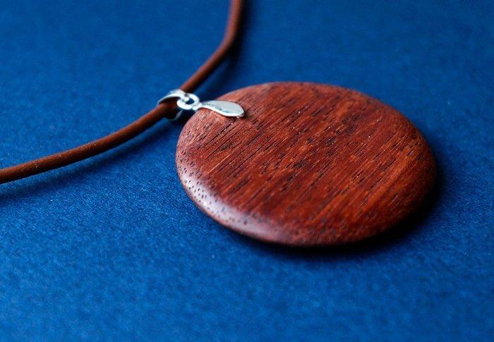 Пример работы из древесины мербау