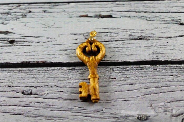Пример изделия из древесины мовингу