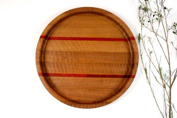 Пример подноса из грецкого ореха