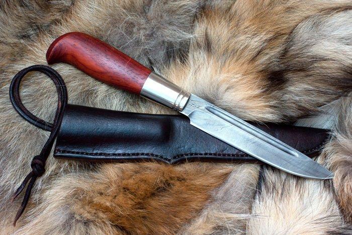 Пример рукояти ножа из падука с дефектами
