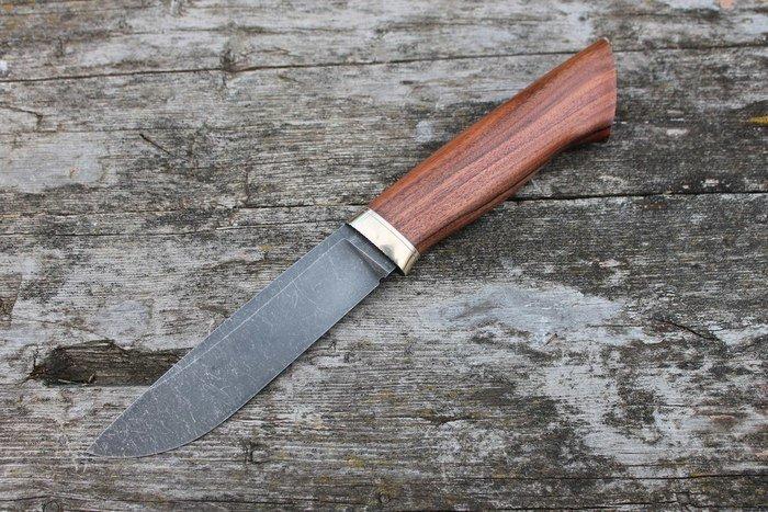 Пример работы из древесины палисандра сантоса