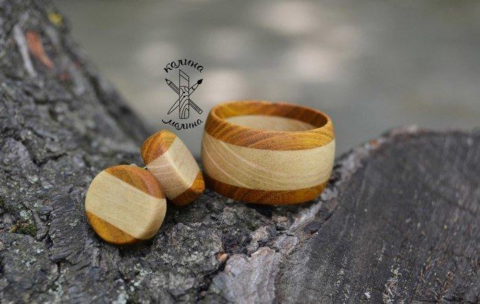 Пример работы из древесины скумпии