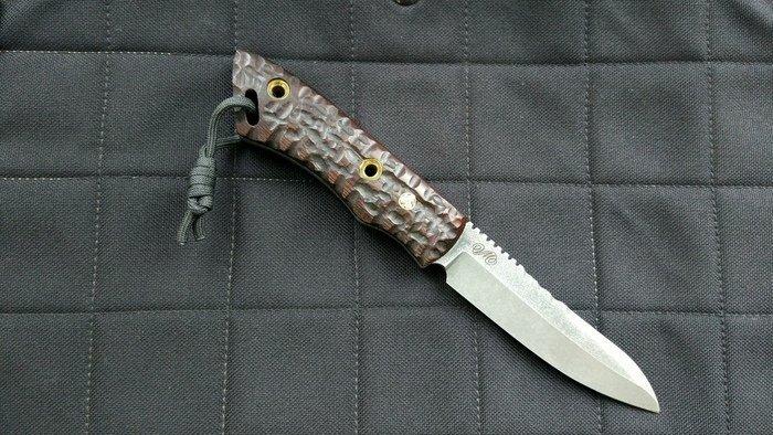 Пример рукояти ножа из термически обработанного ясеня