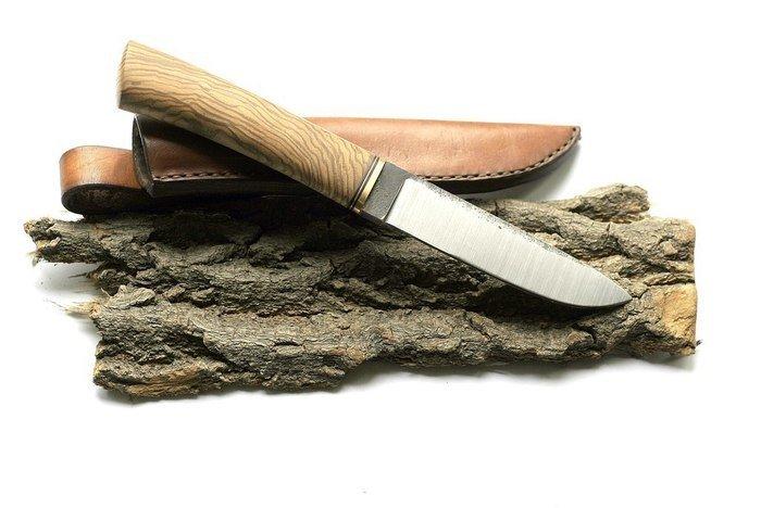 Пример изделия из древесины ясеня оливкового торцевого