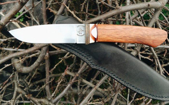 Пример рукояти из древесины ятобы