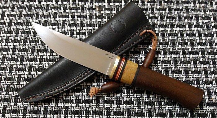 нож с латунным больстером и проставками
