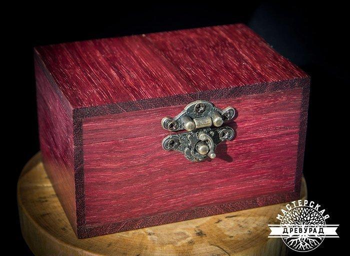 шкатулка из древесины амаранта