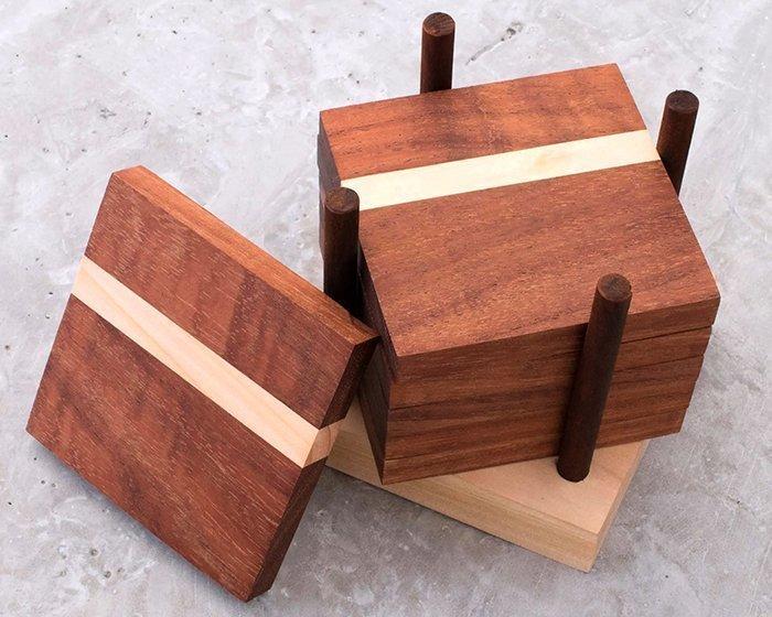 комплект подставок под чашки и стаканы из древесины