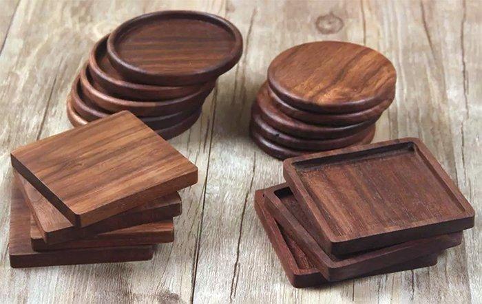 набор подставок под напитки из древесины