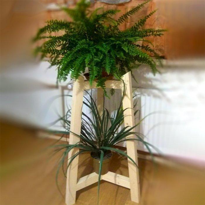 деревянная подставка под комнатные растения
