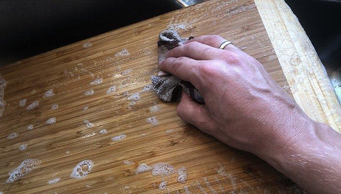 очиска деревянной разделочной доски