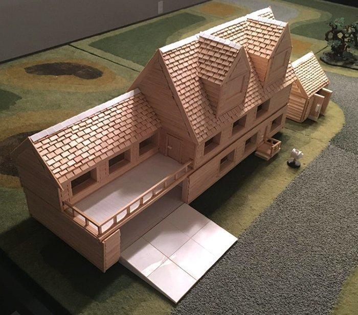 макет дома из древесины бальзы