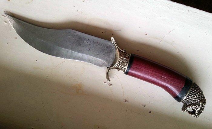 нож с навершием в виде головы змеи