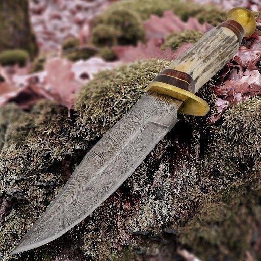 нож с рукоятью из рога оленя