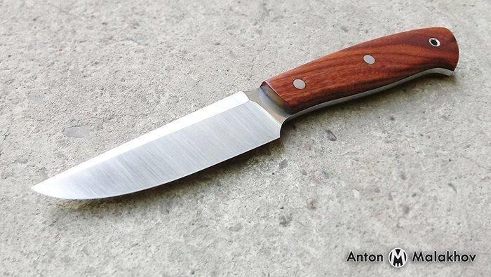 нож с накладной рукоятью из древесины