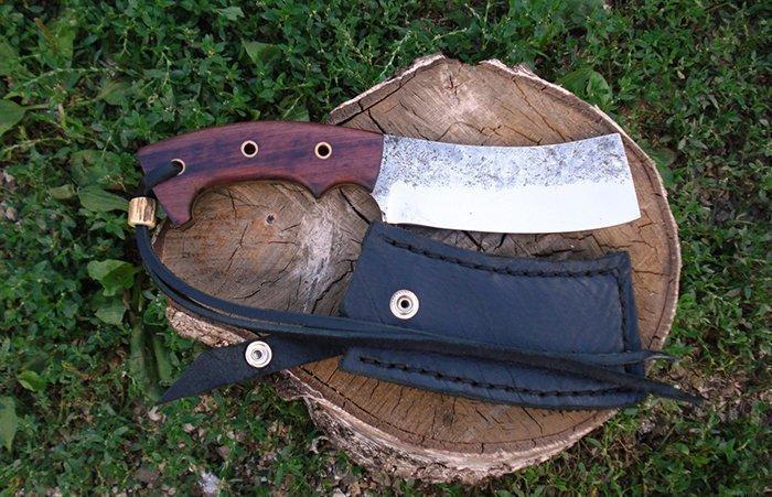нож с клепаной рукоятью из древесины амаранта