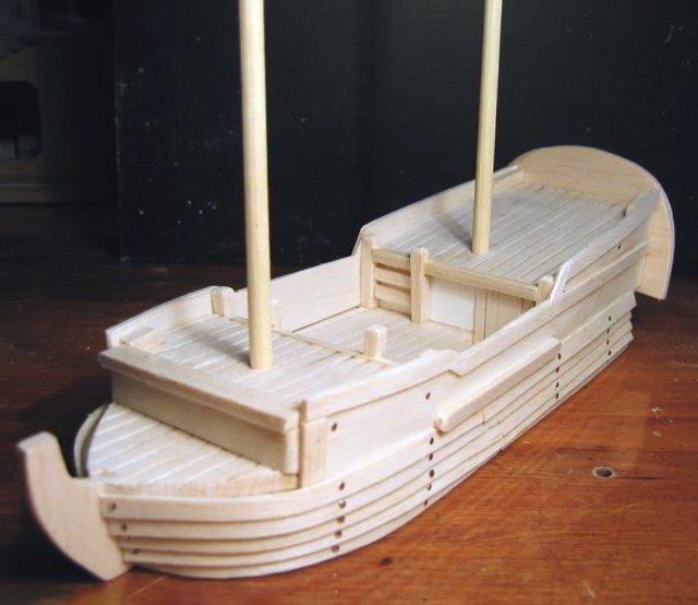 макет корабля из древесины бальсы