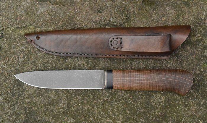 нож с рукоятью из стабилизированой древесины торцевого дуба