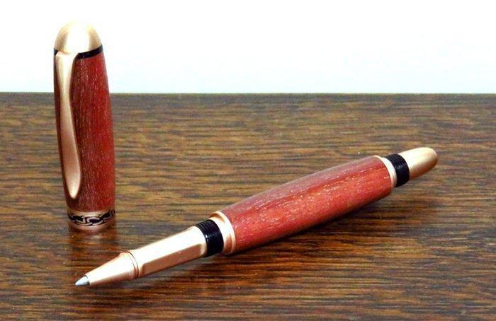 ручка с корпусом из древесины массарандубы