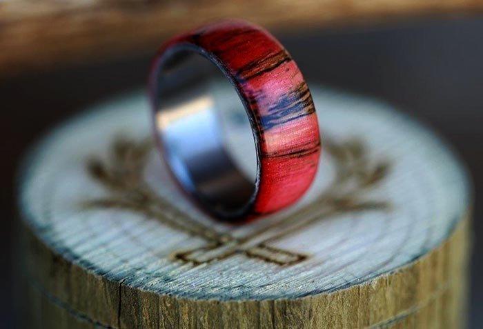 кольцо из стабилизированного шпальта березы