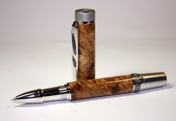 ручка с корпусом из стабилизированной древесины тополя