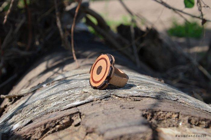 кольцо с маркетри из шпона