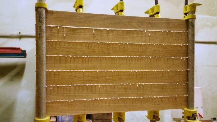 Склейка деревянного щита столярным клеем