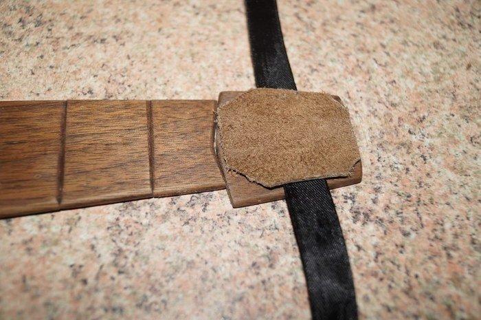 Крепление на деревянном галстуке