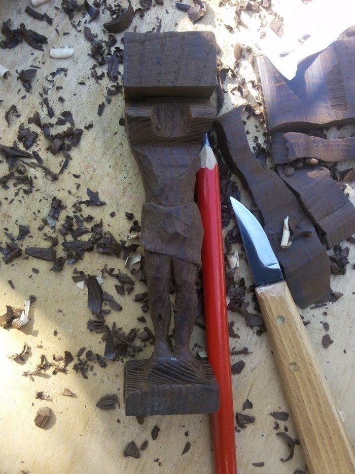 Ручная резьба по древесине термообработанного ясеня