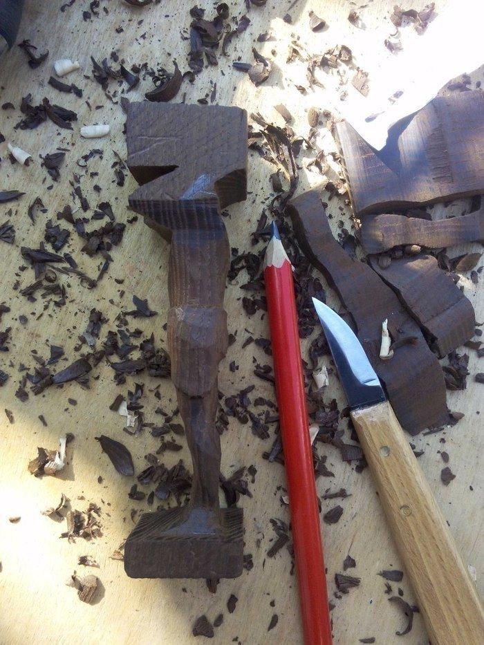 Объемная резьба из древесины термоясеня