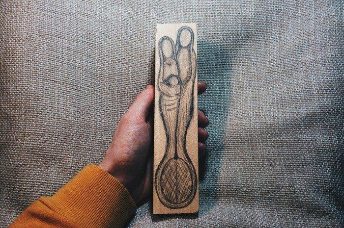 Перенесение эскиза ложки на деревянный брусок