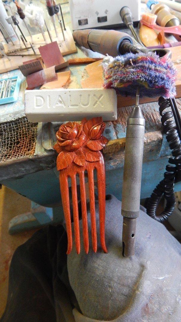 Полировка деревянного изделия пастой Dialux