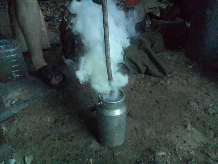 Погружение раскаленного металла в охлаждающую среду