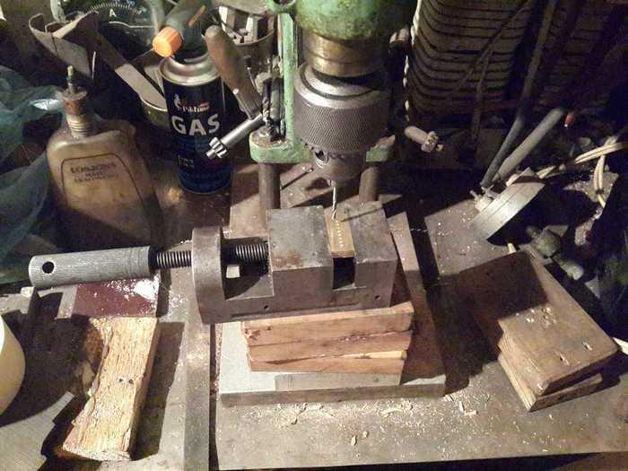 Сверление металлической заготовки