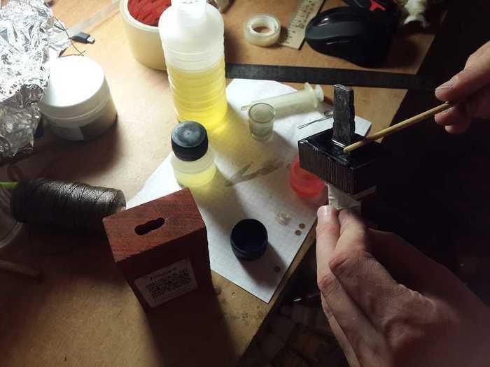 Склейка деталей ножа