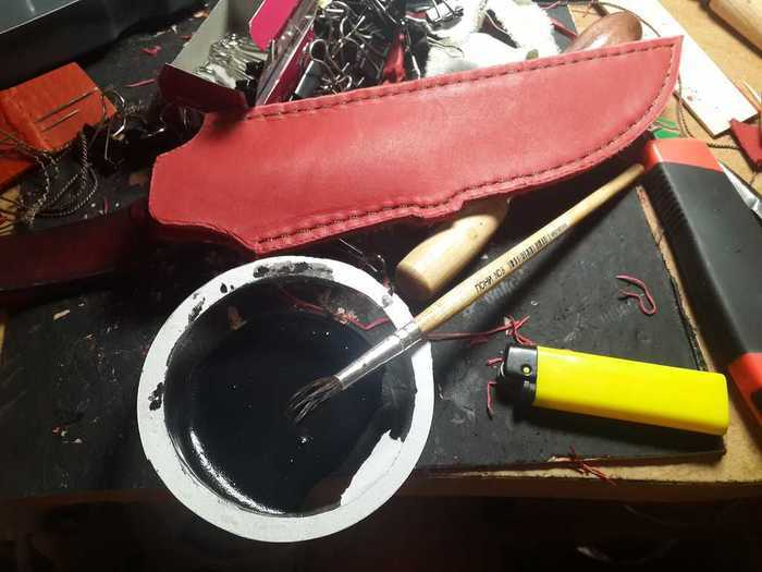 Покраска и покрытие воском кожаных ножен