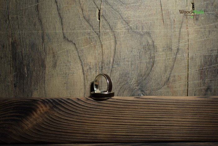 Кольца из серебра и венге